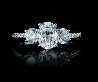 Discover custom engagement rings at Masterpiece Jewelry in Daytona Beach.